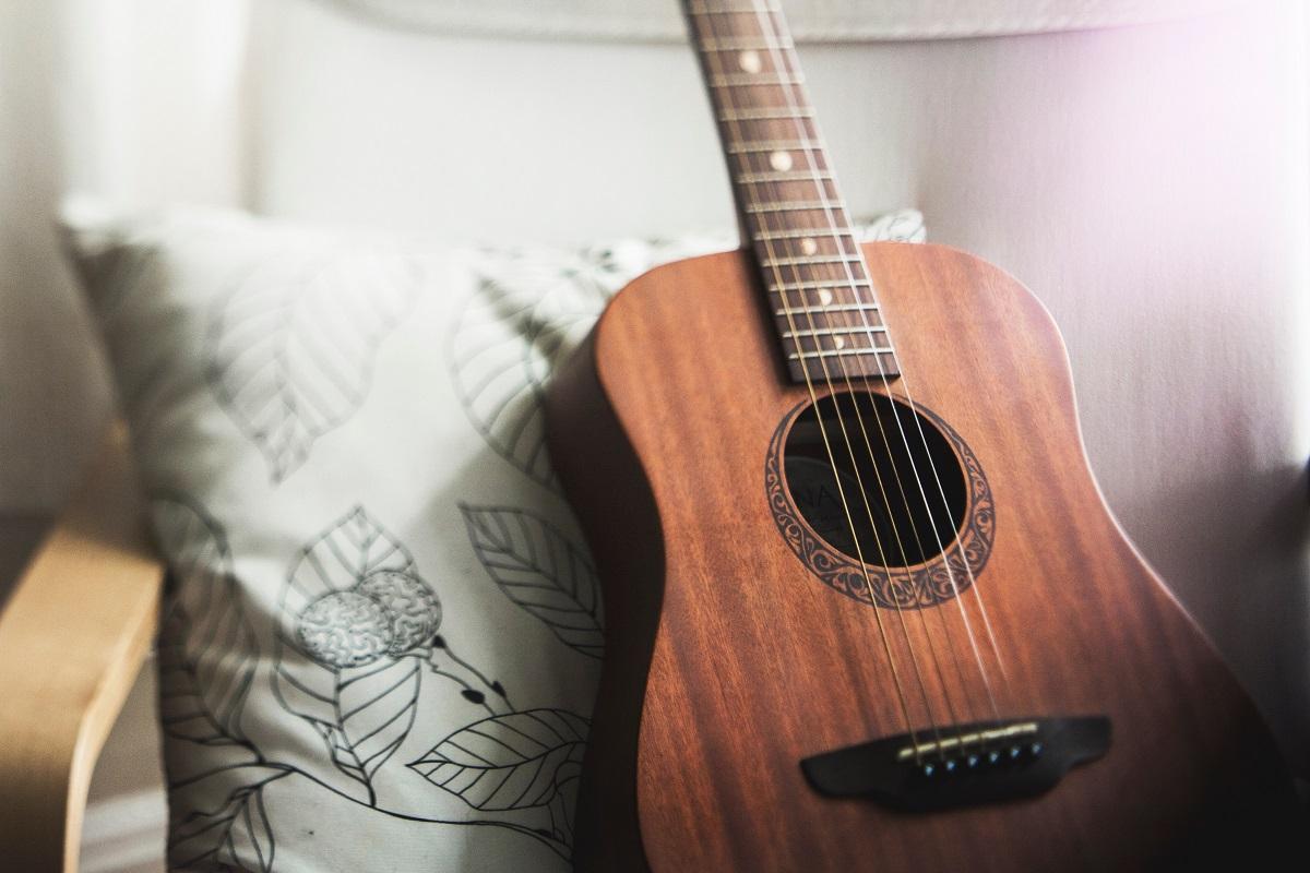 Gitarrenkurs im Treffpunkt 15.7 - Bildquelle: Unsplash.com